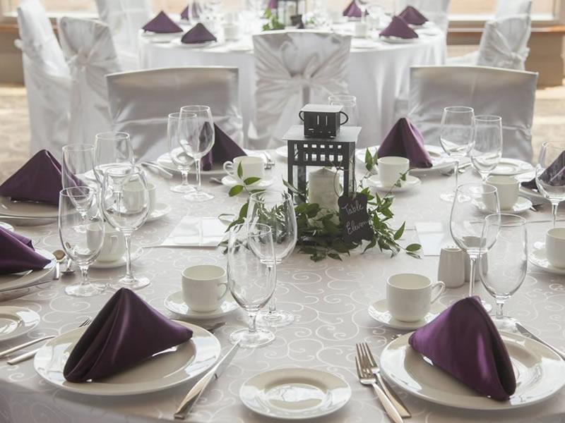 guest table linens